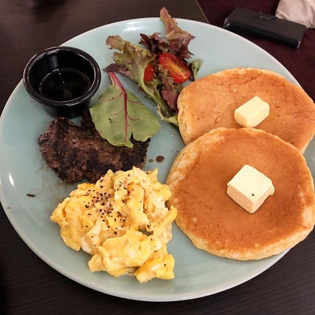 The Breakfast Pancakes ($9.50) were such a letdown, my friends and i were even comparing it to macdonalds' hotcakes 😂 The beef patty was also dry and unimpressive.