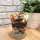 Indulging my sweet tooth the healthier way with @anacaiaffair 😋 Went for their CH-CH-CH-CHIA ($6.30/$9.30/$14.30) which features acai with chia pudding and an assortment of freshfruits and superfoods.