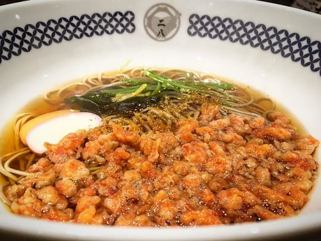 a very fulfilling bowl of Tanuki soba - springy and firm to bite noodles in a light yet flavourful broth complemented by crunchy tempura sakura ebi.