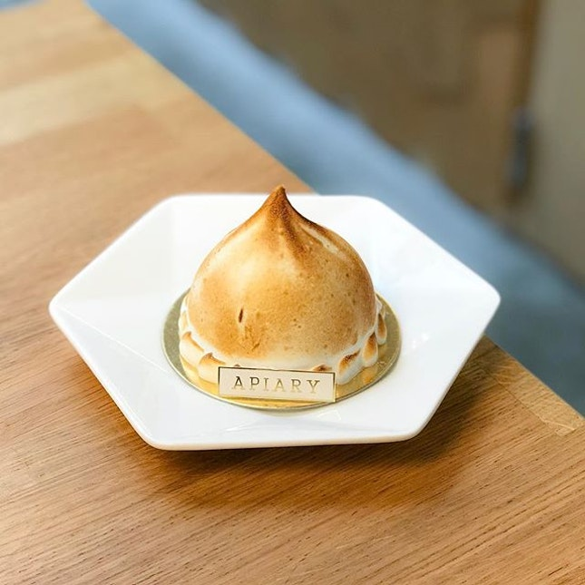Apiary @apiary.sg - Desserts Platter - Tropical Addiction (💵S$12) Coconut Ice Cream, Alphonso Mango Sorbet, Passionfruit Sorbet, Almond Dacquoise & Italian Meringue.