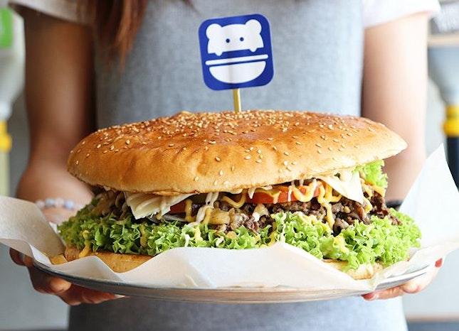 We got burger challenge yesterday 👻 Kidding!