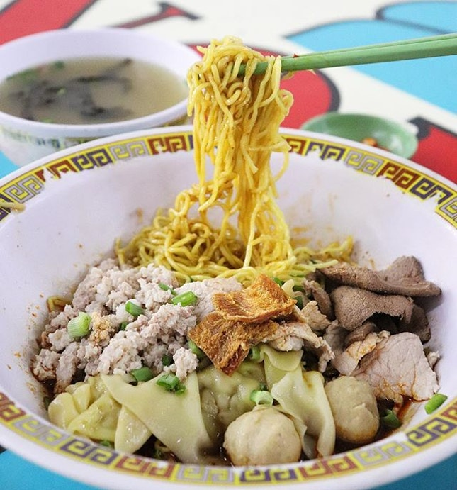 We're seldom having Bakchormee but when we're craving for it, we will always go to Tai Hwa BCM 😋 They have strong black vinegar flavour, QQ noodle, and delicious generous meat topping (such as pork meatball, wanton, minced meat, crispy dried fish, also the seaweed soup!).