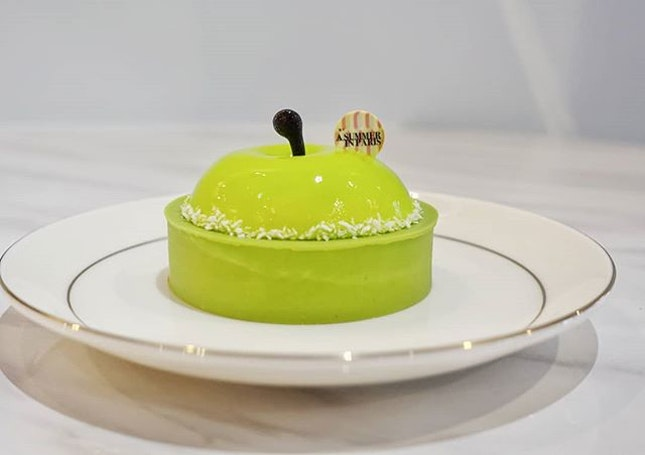 A SUMMER IN PARIS, POMPOM  Newly opened at Vivo city is A Summer in Paris, a cake shop in collaboration with Yann Brys, a French pastry chef who is awarded the Melliur Ouvrier de France, another high accolade achievement other then being awarded a Michelin Star.