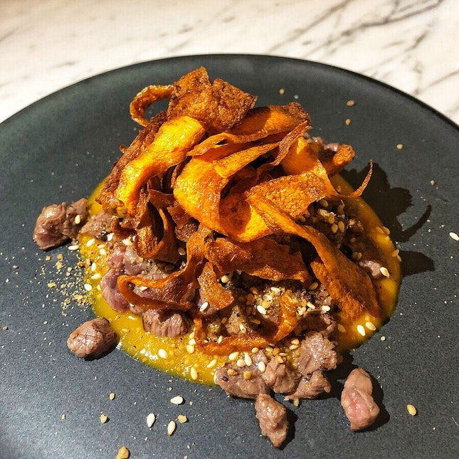 👉Torched Beef Tartare, Miso Carrot, Carrot Chips👈