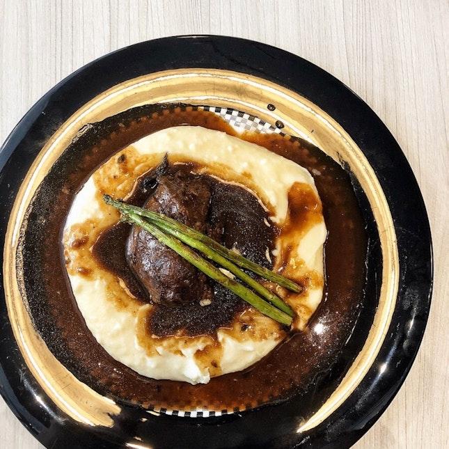 👉Braised Beef Cheek on Truffle Mash👈
