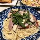 Spicy Sausage And Mushroom Spaghetti In Garlic Cream ($15.90)