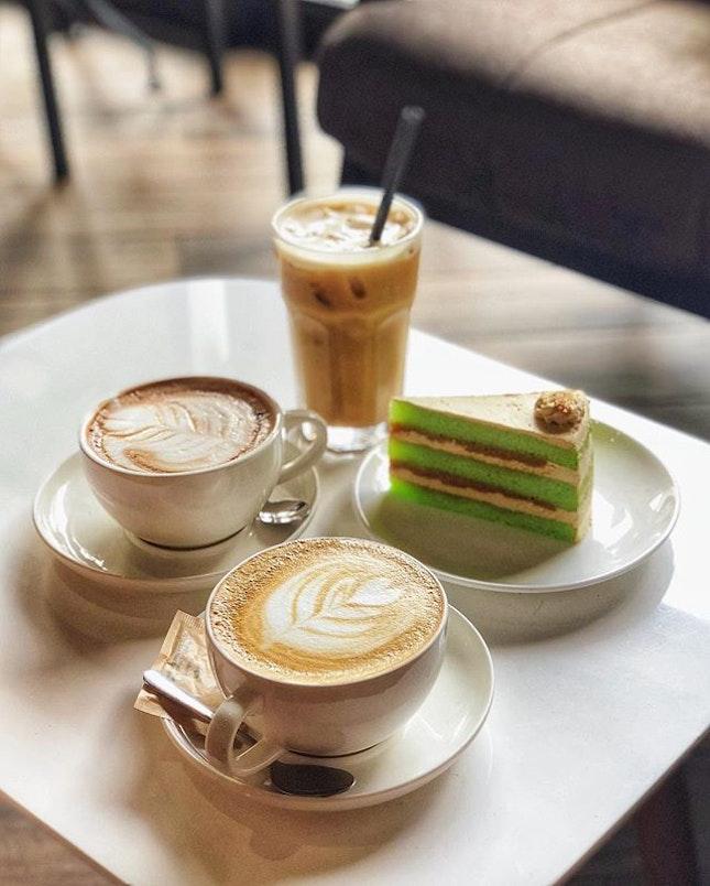 🗣☕️ #coffeetalk with the two TAHs @exthertann @marklbw