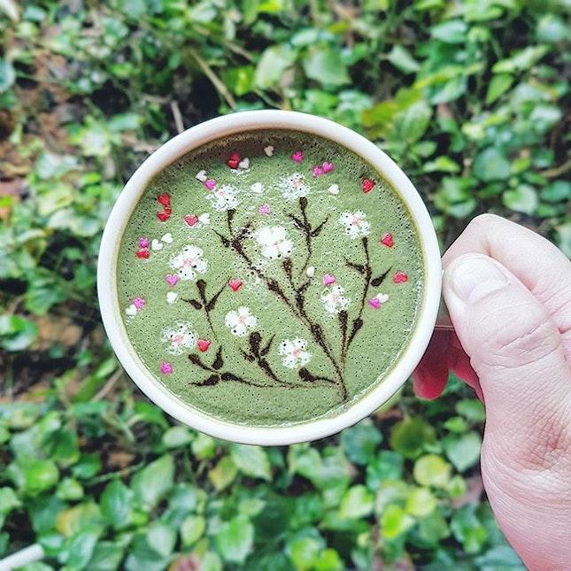 🎨🎨🎨🎨🎨 Damicasso Artistry Lab 🎭🎭🎭 Dacasso by  @damien_tc ~ 1st to Try this Cuppa ❤💚💛💜💙 Sakura Matcha ~ Matcha Sakura ~ 🌸💚🌸💚🌸 ♯♯♯♯♯ #carolmelcafe #carol_mel_cafe #carolmelcafesg #burpple #podcult #hobikopi #anakkopi #coffeeuniverse #manmakecoffee #coffeegical #madaboutbrew #freepouring #latteartist #baristadaily #latteart #thecoffeefusion #thecoffeestation #mbakfotokopi #masfotokopi #latteartgram #videomasak #alternativebrewing #matcha #sakura #matchalatte #healthyfood