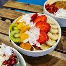 "Happiness is enjoying these bowls of hearty açai at COOcaça (""coo-ka-sa"")! 🤩"
