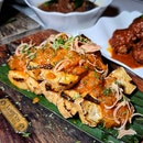 Garam Assam Tau Kwa with Pineapple & Pink Ginger Flower