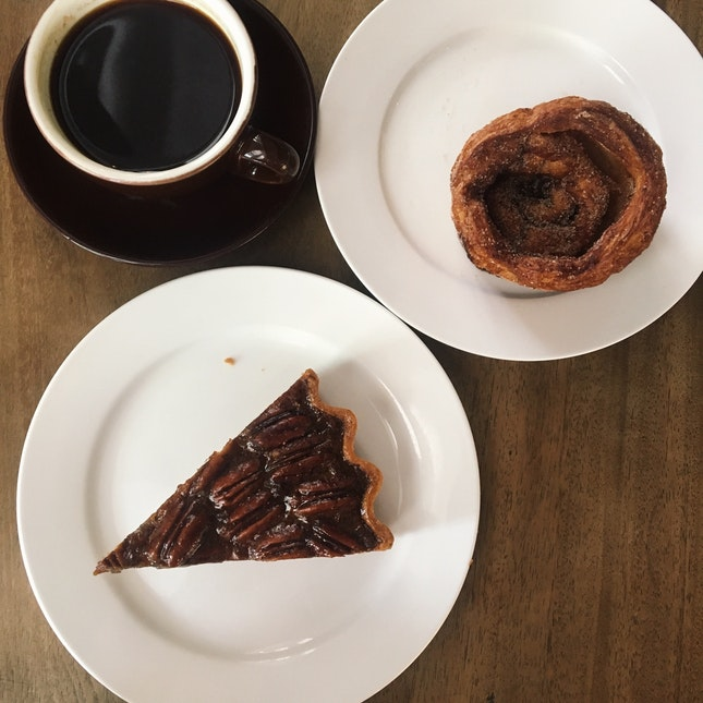 Southern Pecan Pie (RM16) & Cinnamon Rolls (RM5.20)