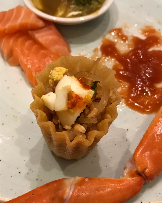 Ft. Signature Kueh Pie Tee, Peranakan Dinner Buffet