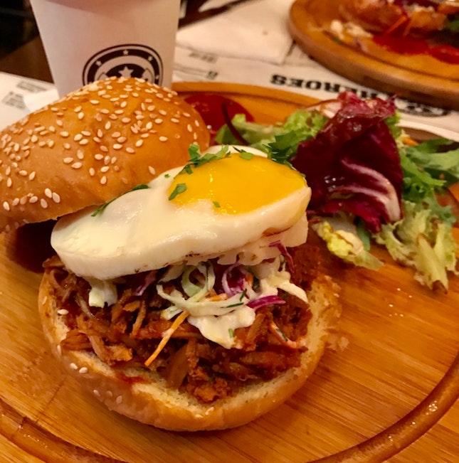 Pulled Pork Burger