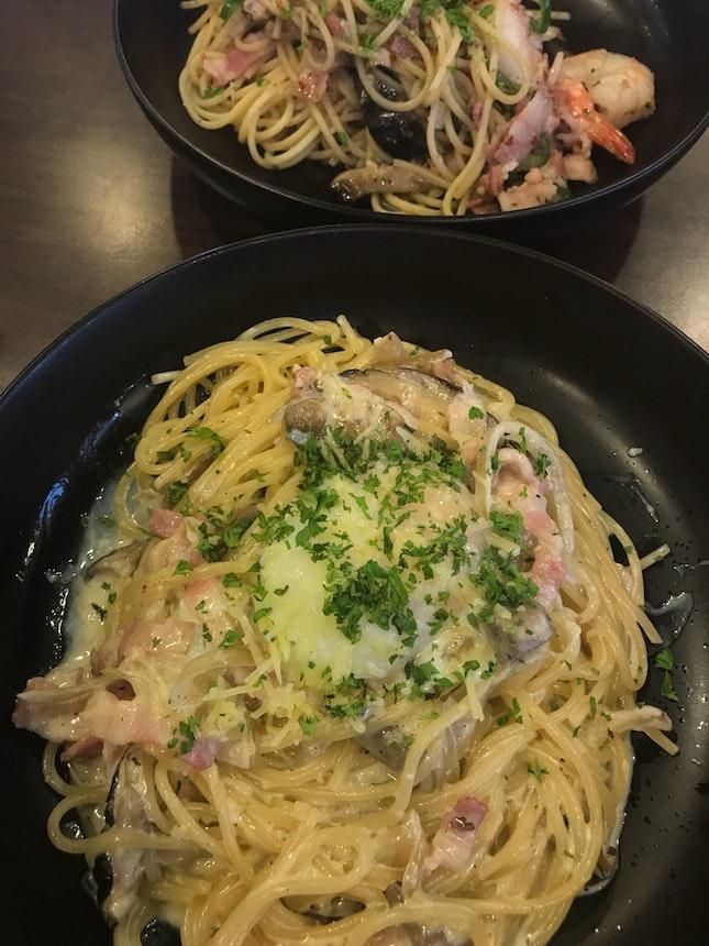 Carbonara & prawn Aglio Olio