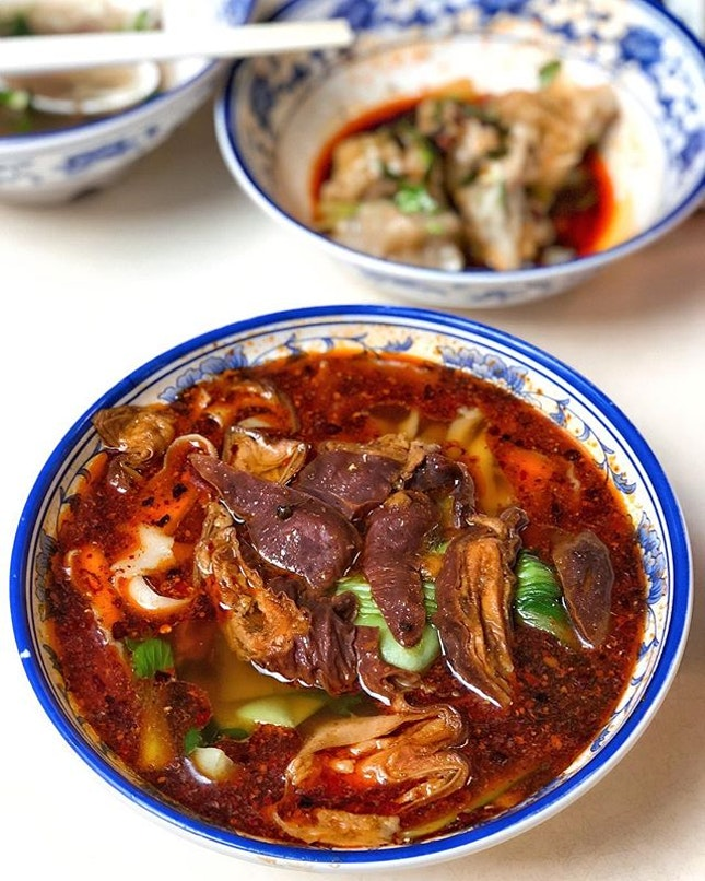 [Bishan] Their Mala Intestine Noodles ($5) had a punchier, more flavourful broth than their plain beef one, and thank god for the spiciness which at least made the soup more drinkable, because the intestines weren't cleaned properly and the slight stank could have very easily polluted the whole bowl.