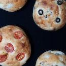 Good news for vegans 🌱 (and non-vegans who enjoy delicious bread 🍞)!!