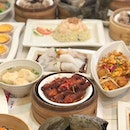 The best kind of feasting at this timing 😍😍 Featuring the variety of dim sum at @dimsumhaussg !