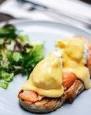 In need for a super breakfast  SMOKED SALMON EGG BENEDICT  #food #foodporn #foodphotography #foodgram #food52 #f52grams #sgfood #sgfoodie #sgrestaurants #sgeats #sgfooddairy #cafehoppingsg #vscofood #onthetable #eeeeeats #getinmybelly #instafoodsg #burpple #burpplesg #igsg #sgig #egg #eggbenedict #sourdough #salmon #smokedsalmon