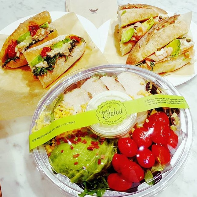 🍞+🥗: Wholesome sandwich, sub and salad made fresh on the day from @parisbaguette_sg Great for quick breakfast or light lunch to-go [3.5/5 👅] .