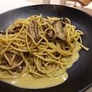 Mushroom Pesto Cream Pasta