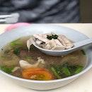 A comforting bowl of soup from Soon Huat Pig's Organ Soup at Serangoon Gardens!