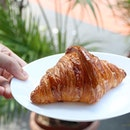 Another must try at @BakeryBrera, the flaky and buttery croissant!