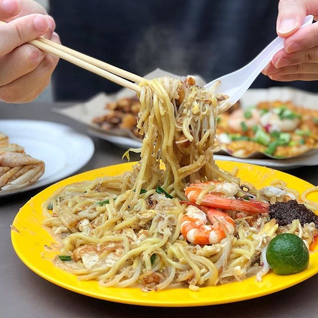 Back in Singapore and we are thinking about this Hokkien Mee!
