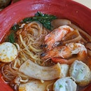 One more week to try @prawnvillage, Penang style prawn noodle before it's cease.