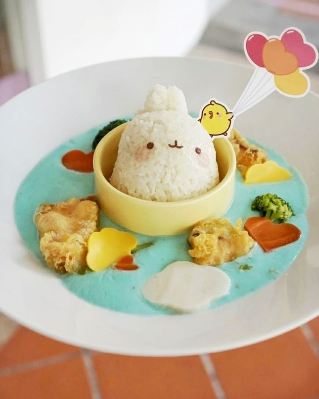 Start today, Kumoya is introduce Molang,an animated TV series produced by French animation studio Millimages and based on a South Korean emoticon at the first-ever Molang x Kumoya pop-up café in the world.