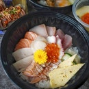En Sushi is offering a very good deal, 1 for 1 for their Donburi.