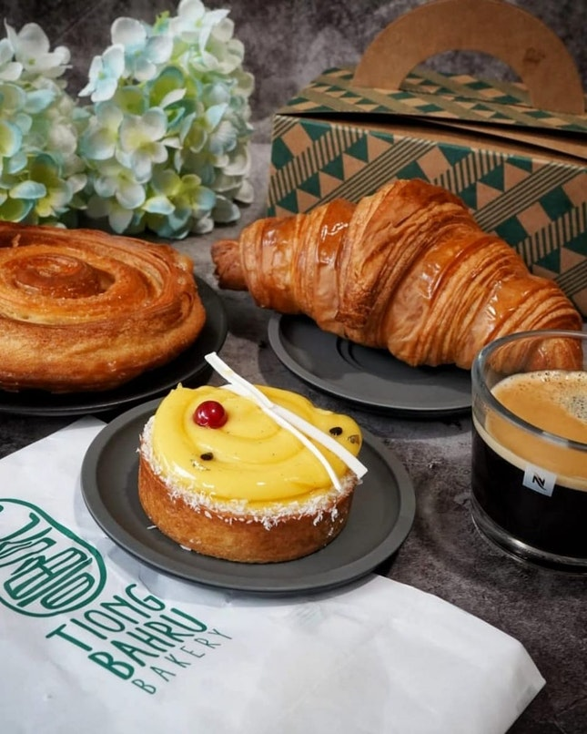 @tiongbahrubakery is delivering its buttery French pastries, naturally leavened sourdough, beverages and baked goods islandwide as an all-day.
