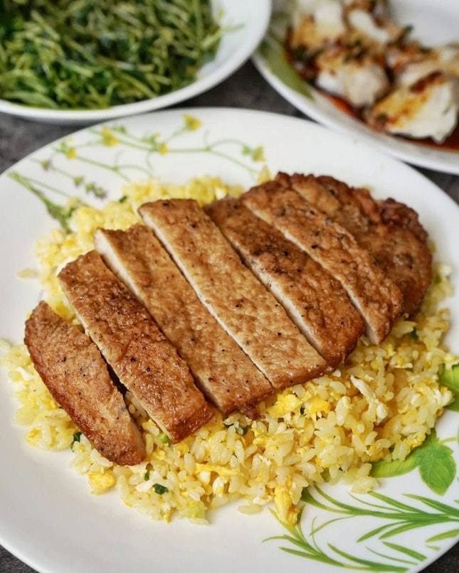Din Tai Fung is having 3-Days Special Promotion from 20 to 22 July 2021, where diners can enjoy 10% off Din Tai Fung's Fried Rice with Eggs and Fried Rice with Pork Chop & Eggs at selected Din Tai Fung restaurants.