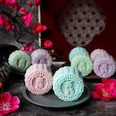 These Delicate Snowskin Mooncakes from @crystaljadesg, its the latest collection that are inspired by the flavours of popular foods from Hong Kong and Macau