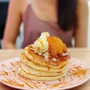 Grilled Apple with Homemade Caramel Pancake