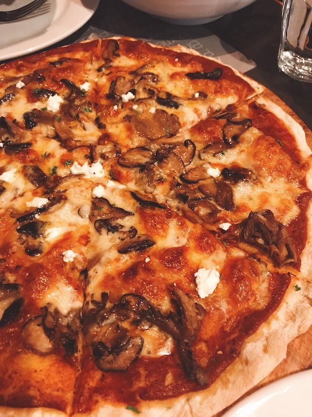 Ai Funghi Pizza