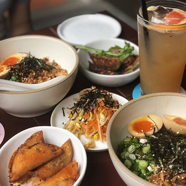 Honestly just loving summer break😎😎 - - - Got 2 set meals ($16 excluding gst on burpple beyond) including a drink, an egg noodle dish of choice and a side of any dumpling flavour.