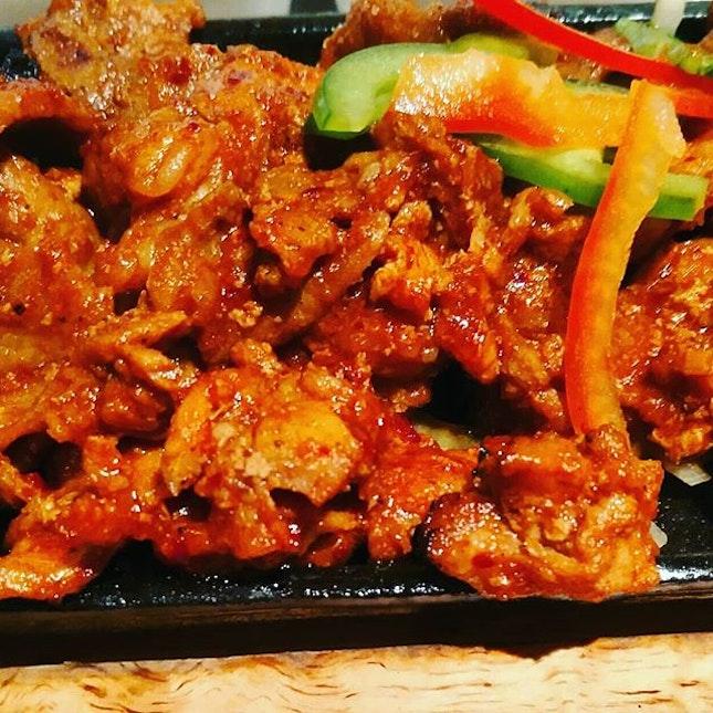 Having grill pork for lunch at Hyangtogol Raffles City❤  @hyangtogol_rc  #littlesweetbonsbons #hyangtogolsg #hyangtogol #hyangtogolkoreanrestaurant #koreafoods #koreasetmeals #kimchi #grillpork #instafoodsg #foodiesofinstagram #foodies #burpple #burpplesg #grabfoodsg