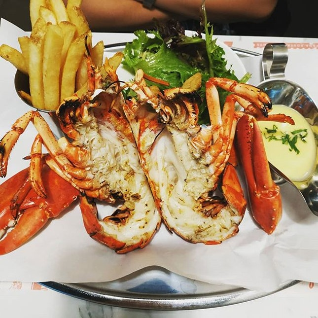 4.5⭐ Who can resist the temptation of lobster?