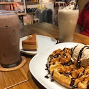 Waffles & Hazelnut Ice Cream $10.6, Honey Cheesecake $8, Hojicha Frap $6.5, Iced Chocolate $7