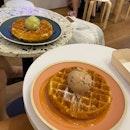 Single scoop ice cream + waffle $12
