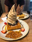 Earl grey ice cream & waffles