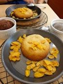 sesame ice cream + chocolate lava cookie