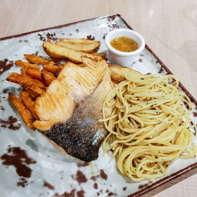 Grilled Atlantic Salmon Fillet