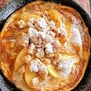 Apple crumble pancake ($12) 🍎