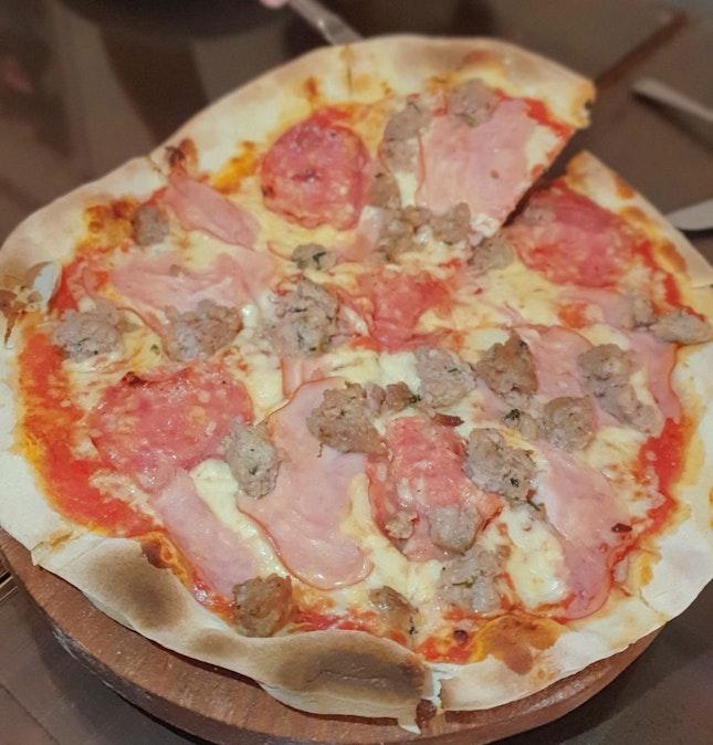 Carnivore Pizza 🍕6/10, Quattro Formaggi Pizza 🍕 6/10