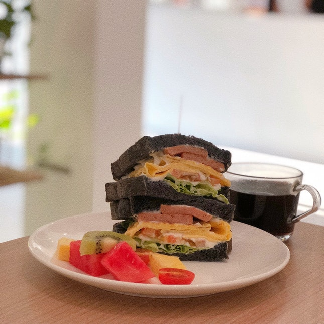 Charcoal Sandwich X Layered Egg X Luncheon Meat