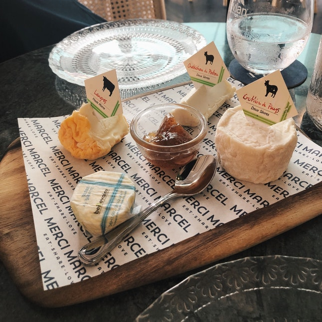 Assortment of 3 Farm Cheeses Platter ($24++)