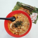 My tummy is very satisfied with this big bowl of laksa and otah.