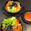 Affordable #koreanfood from @patbingsoosin @plazasingapura 😋 We enjoyed our beef + pork dubbab (mixed rice in hot stone bowl).