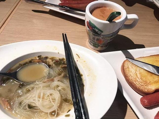 Breakfast set at Kam Kee Cafe 金記冰室.